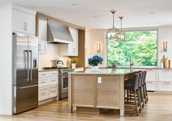 Silver-Coast-Prestige-Homes-Jenny-Martin-Design-Thomas-Philips-Woodworking-Modern-Acres-Kitchen-after