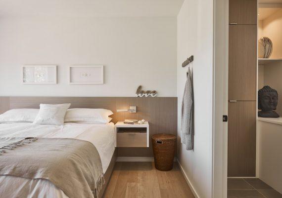 Silver-Creative-Spaciz-Urban-Retreat-master-suite