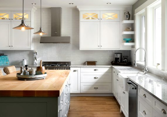 Silver-South-Shore-Cabinetry-Farmhouse-on-the-Lake-Kitchen