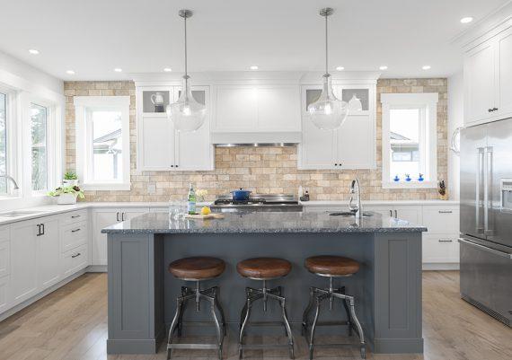 Silver-Step-One-Design-East-Bay-Developments-ProNautic-Interiors-Coastal-Classic-kitchen