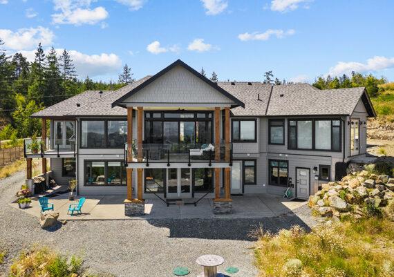 Winner:  Made To Last Custom Homes - Mountaincalm